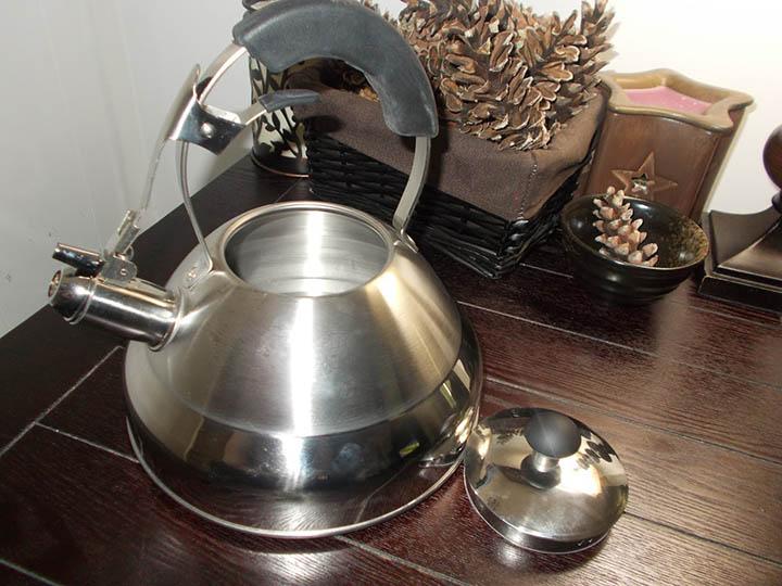 Aluminum tea kettle