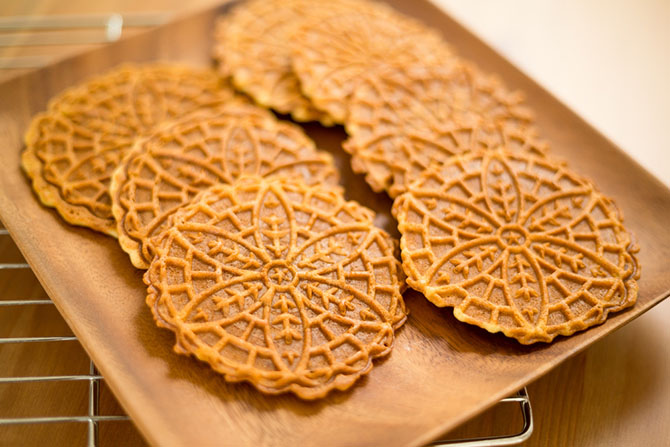 ​Things To Look For To Find The Best Pizzelle Maker