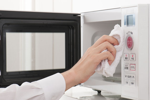 Things to Look for When Looking For an Microwave-Toaster Oven Combos - cleaning
